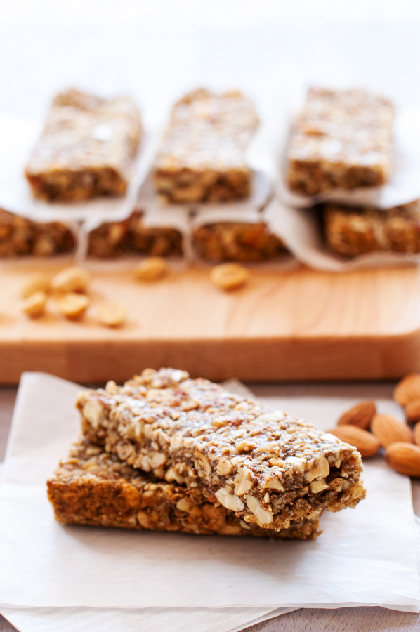 Crunchy Peanuts, Almonds, and Oats Bars-10
