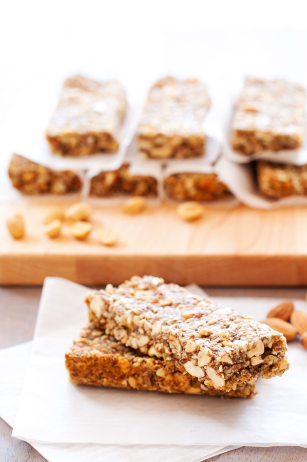 Crunchy Peanuts, Almonds, and Oats Bars-8