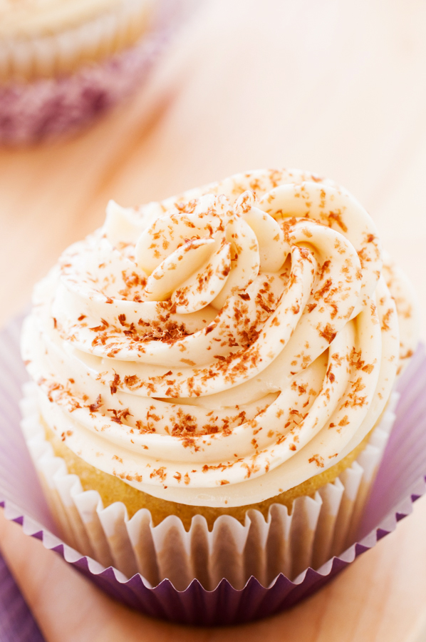 Golden Vanilla Cupcakes with Swiss Buttercream for Two, vanilla, cupcake, Swiss buttercream, desserts for two