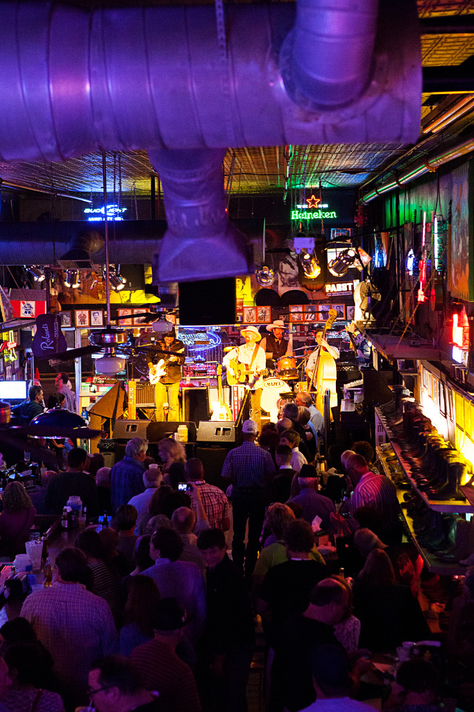 Robert's Western World | The Don Kelley Band | Nashville, Tennessee