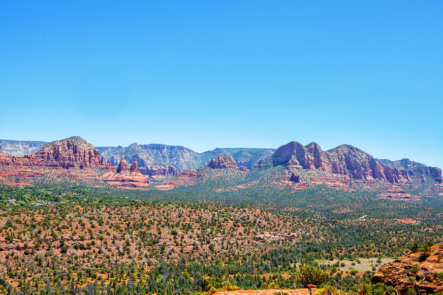 A day of Hiking in Sedona, Arizona - where to stop and which trails to hike.