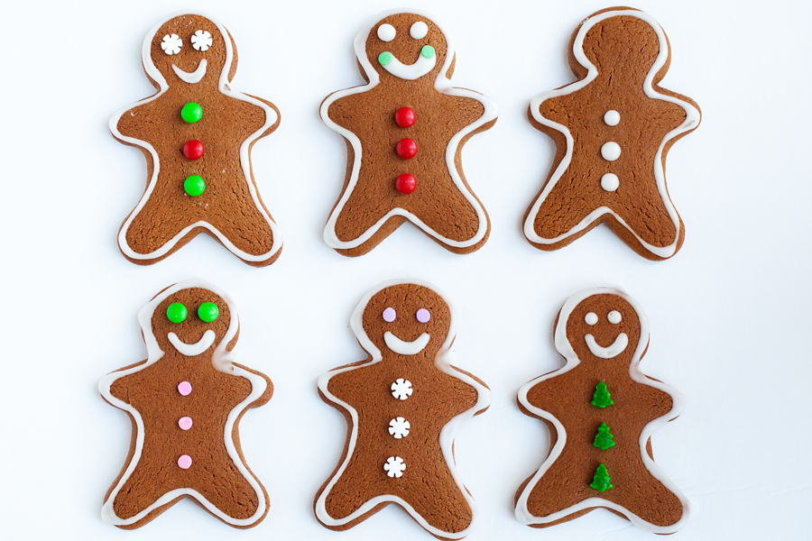 Gingerbread men cookie decorating kits the pkp way - Decorations for gingerbread man ...