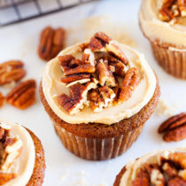 Sprinkles Brown Sugar Praline Cupcakes, directly from Candace Nelson, are incredibly moist, topped with a thick brown sugar frosting, and sprinkled with crunchy candied pecans!